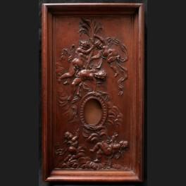 http://www.cerca-trova.fr/18325-thickbox_default/porte-montre-en-acajou-sculpte-a-decor-de-putti-.jpg